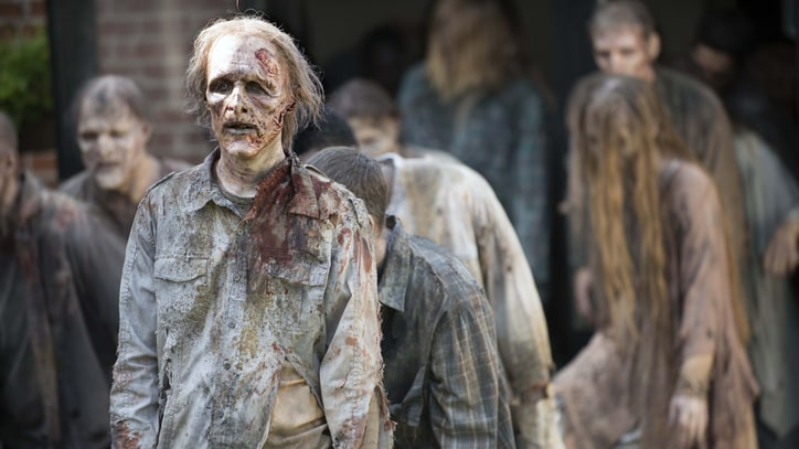 'Walking Dead' Gang Fights to Survive in New Trailer