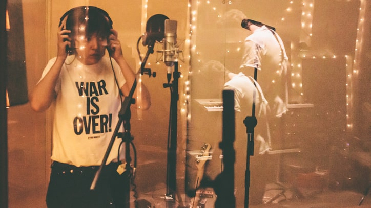 Courtney Barnett: Exclusive Studio Photos of the Aussie Singer-Songwriter