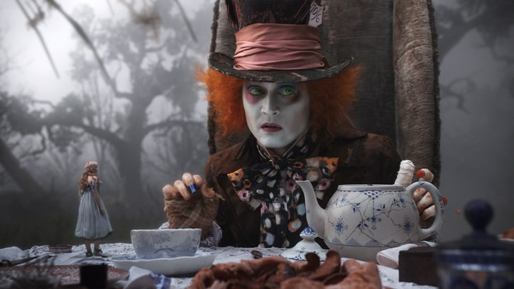 Johnny Depp and Mia Wasikowska Sign on for 'Alice in Wonderland 2'