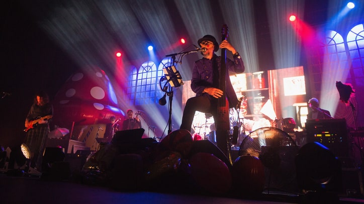 Chocolate Bars and Oompa Loompas: Primus Set U.S. Tour