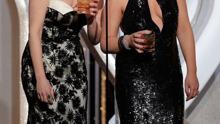 Play Tina Fey and Amy Poehler's Golden Globes Drinking Game
