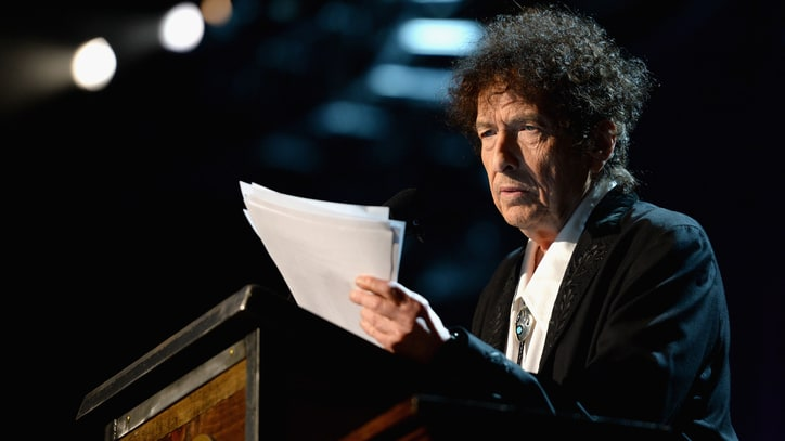 Bob Dylan's Surprising Speech Highlights Unforgettable MusiCares Tribute