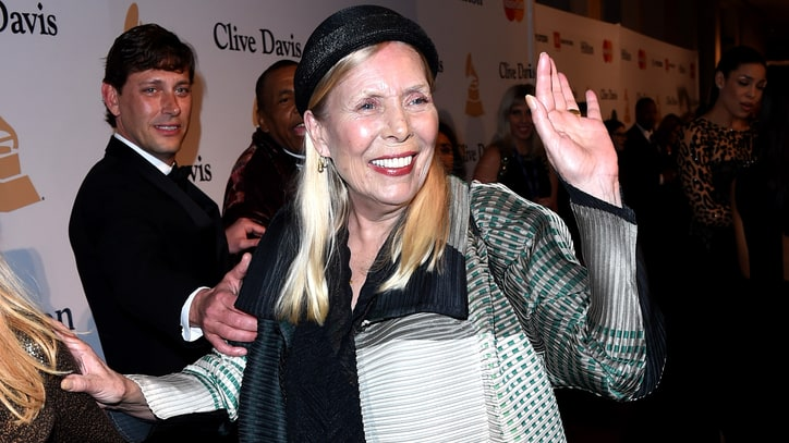 Joni Mitchell Talks Blackface, Taylor Swift Comparison