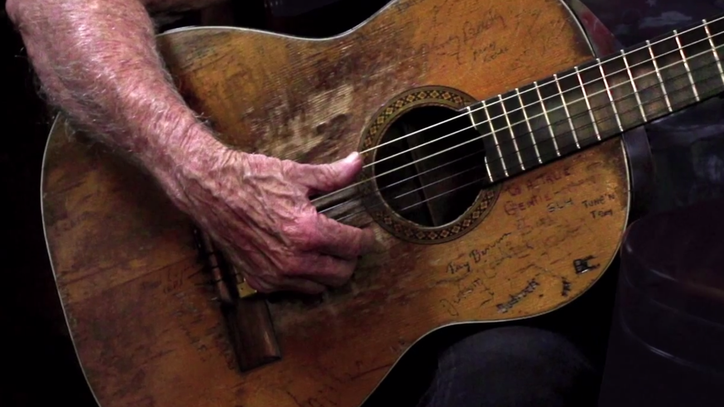 Watch Willie Nelson Tell the Story of His Legendary Guitar, Trigger
