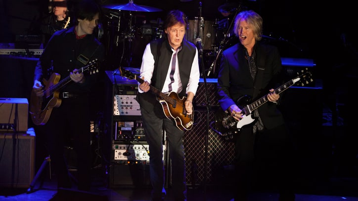 Paul McCartney Plays Surprise Valentine's Day Concert in New York