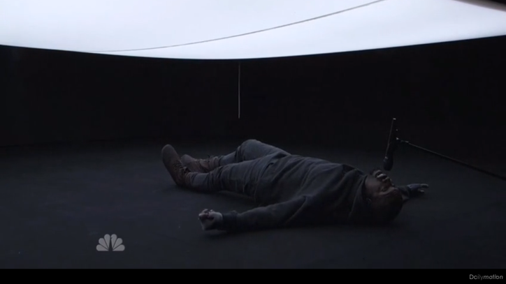See Kanye West's Innovative, Claustrophobic 'SNL' 40 Performance