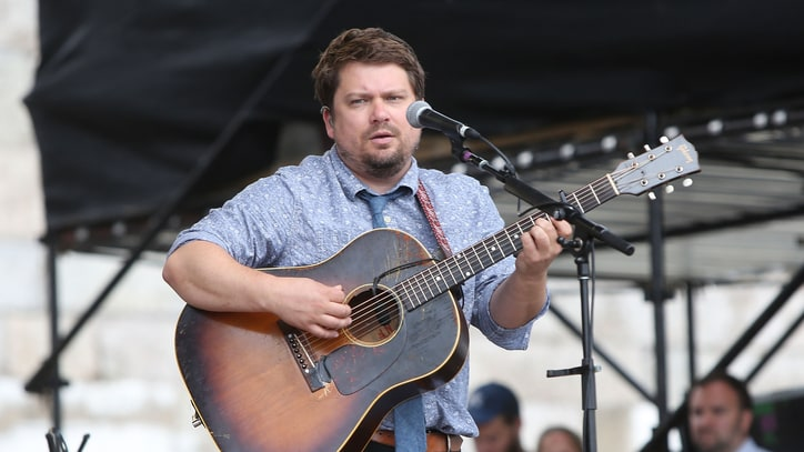 Hear Sean Watkins and Fiona Apple Team Up for Bluegrass Standard