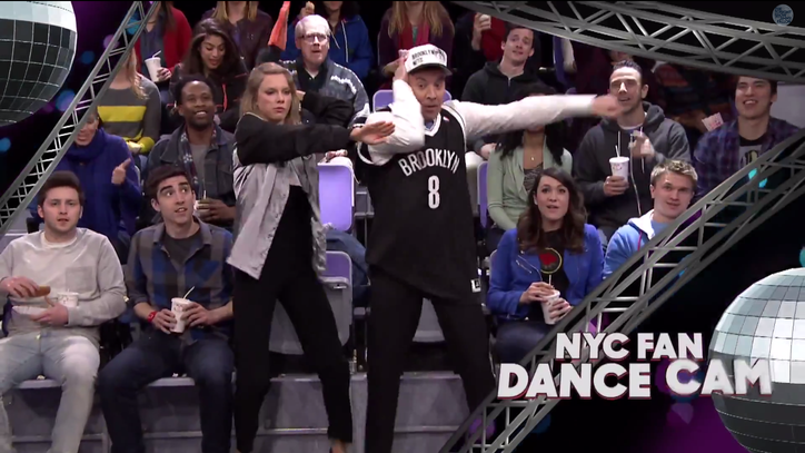 Watch Taylor Swift, Fallon Do the Robot, Sprinkler in 'Jumbotron Dancing' Bit
