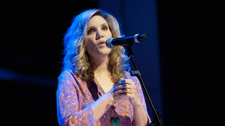 Alison Krauss, Willie Nelson Go on the Road Again for Summer Tour