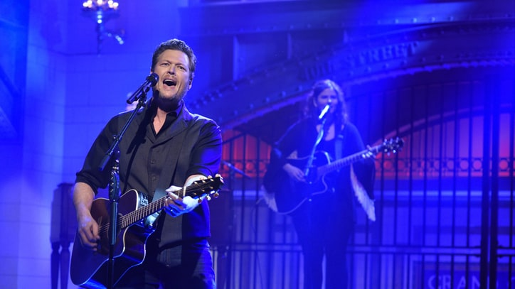 Blake Shelton Continues Chart-Topping Hot Streak
