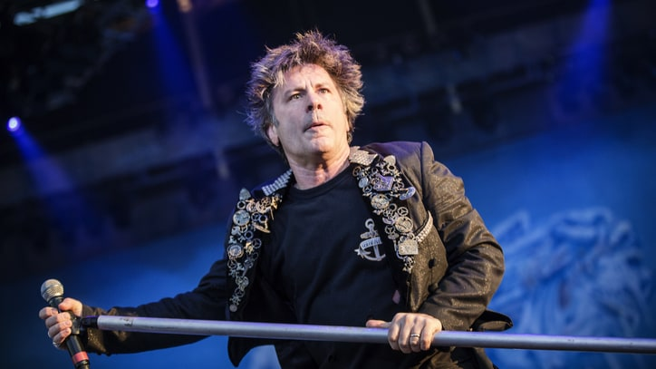 Iron Maiden Singer Was in 'Considerable Pain' After Cancer Treatment