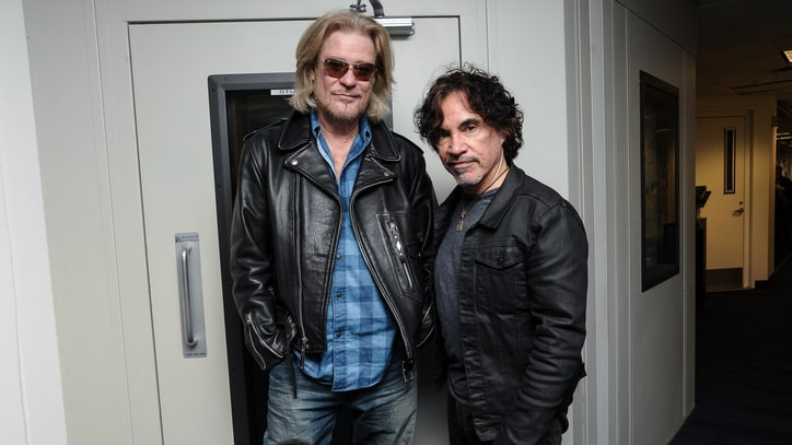 Hall and Oates Suing Granola Company Over 'Haulin' Oats'