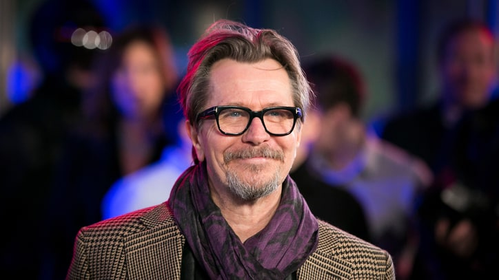 Gary Oldman Apologizes for Stereotyping Jews