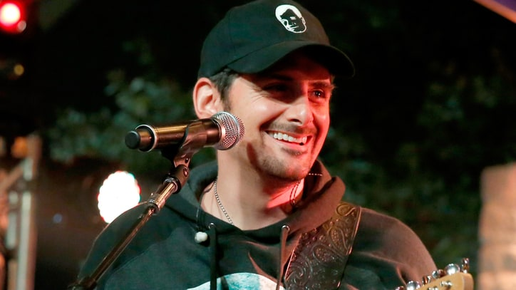 Brad Paisley to Host Nashville Wild West Comedy Festival Show