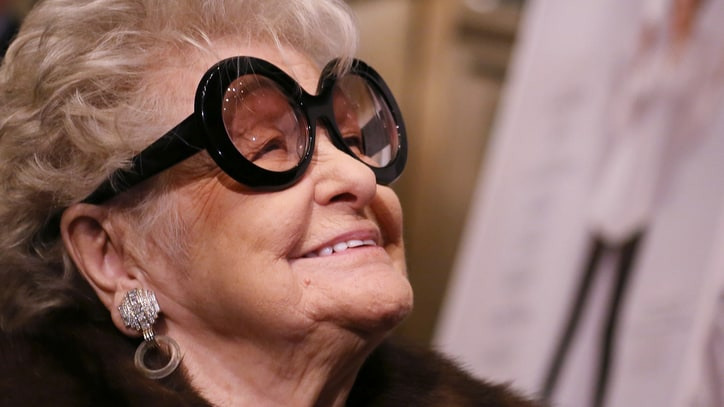 Elaine Stritch, Broadway Star and '30 Rock' Fan Favorite, Dies at 89