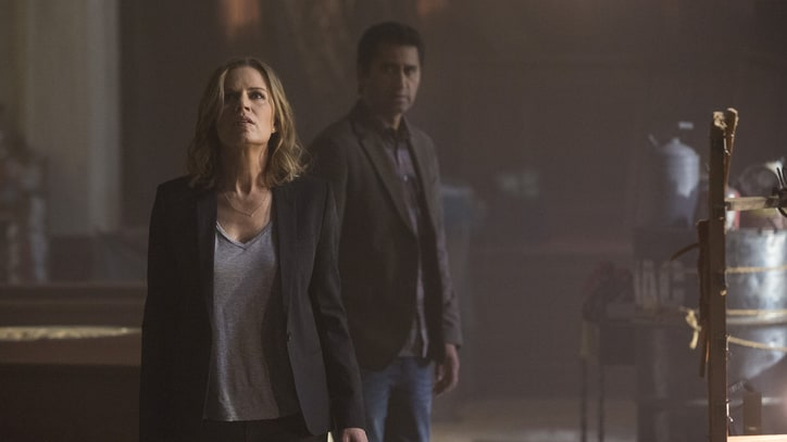'Fear the Walking Dead' Trailer: Calm Before the Swarm