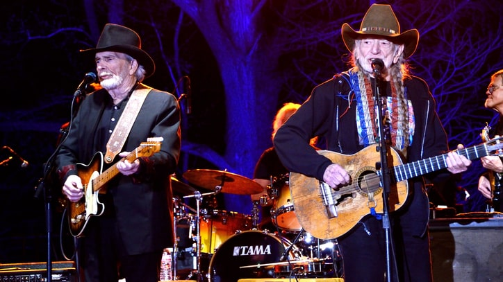 Willie Nelson and Merle Haggard Trade Hits at Historic South Texas Shows