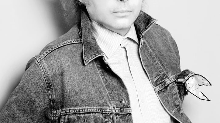 Dwight Yoakam Dishes on Fashion, Paychecks, and Billy Bob Thornton