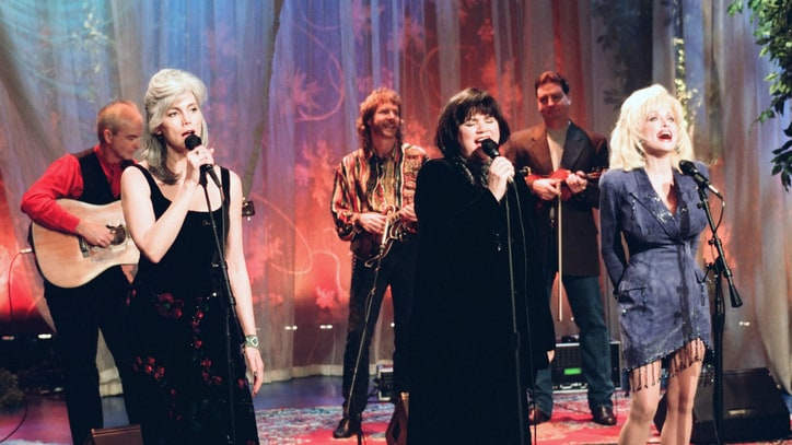 Dolly Parton, Emmylou Harris and Linda Ronstadt to Compile Lost 'Trio' Tracks