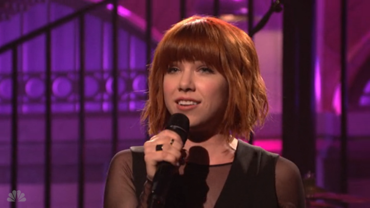 Carly Rae Jepsen Is 'All That' in Captivating 'SNL' Performance