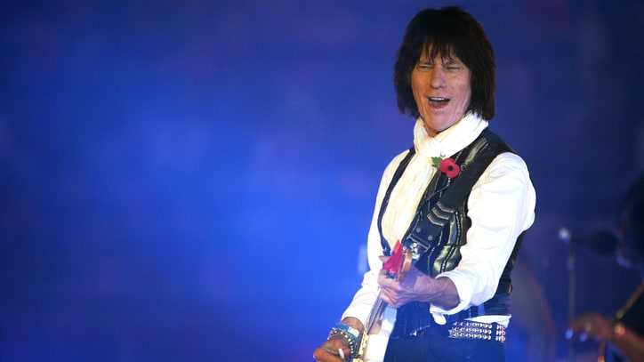 Jeff Beck Preps Live Album, Two New Studio Tracks