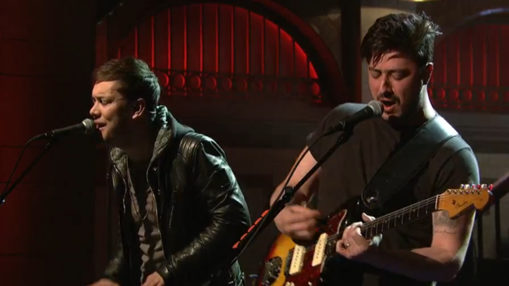Watch Mumford & Sons Electrify 'SNL' With 'Wilder Mind' Songs
