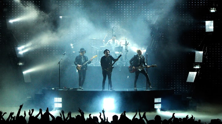 Watch Fall Out Boy Tear Through 'Trap Queen' at MTV Movie Awards