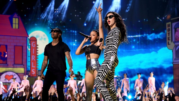 Watch Charli XCX 'Drop That Kitty' at MTV Movie Awards