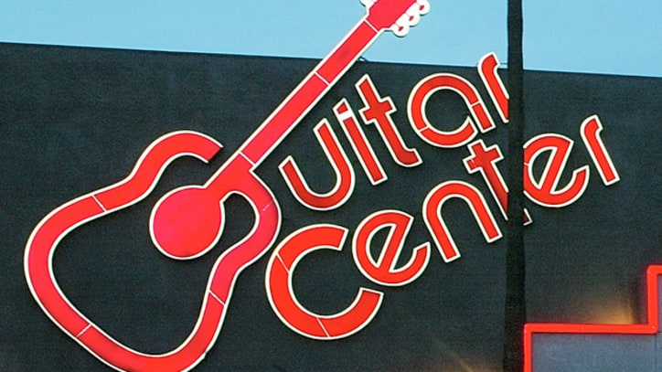 Guitar Center Employees Unionize in New York