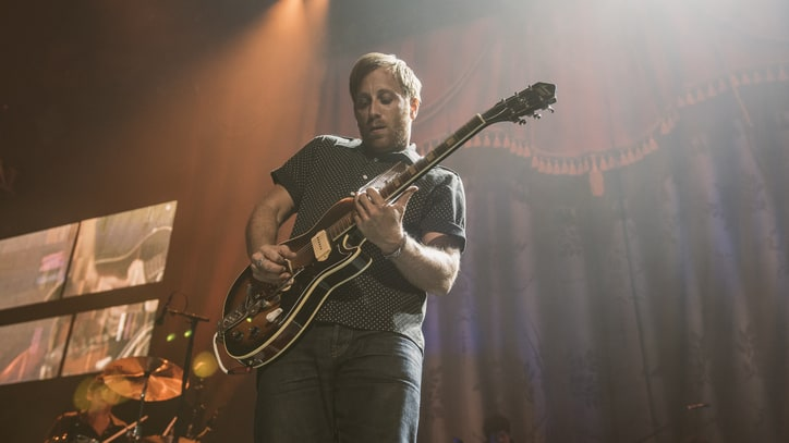 Dan Auerbach Talks 'Extra Weird' New Solo Album