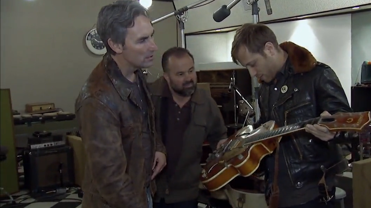 Watch Dan Auerbach Swoon Over Rare Guitar in 'American Pickers' Clip