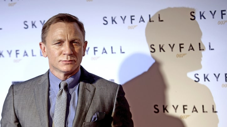 Daniel Craig Blows His Cover