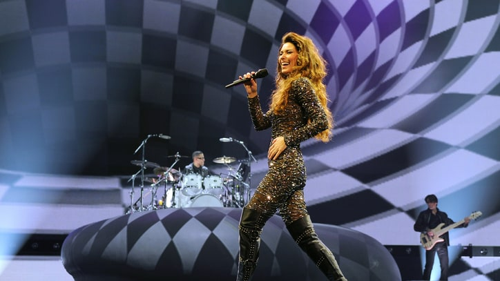 Shania Twain Extends Tour, Talks Missing Life on the Road