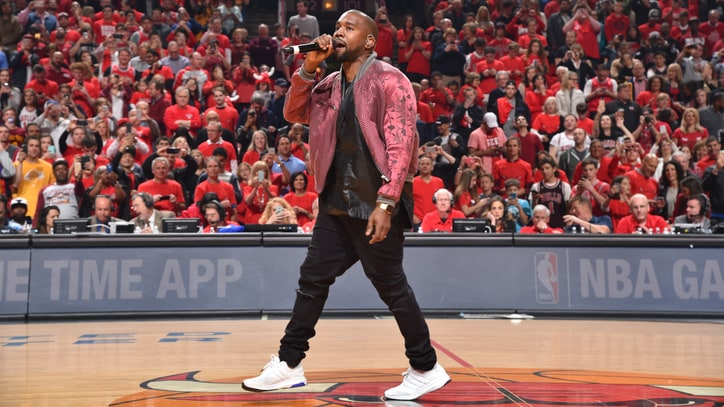 Kanye West Performs Surprise 'All Day' at Chicago Bulls Game