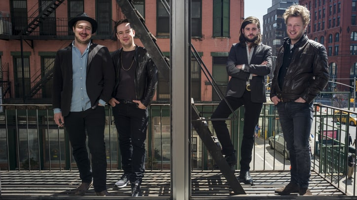 On the Charts: Mumford & Sons' 'Wilder Mind' Grabs Top Spot