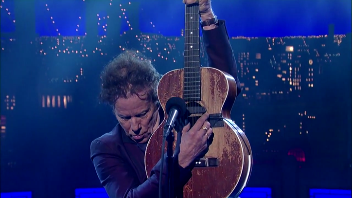 Watch Tom Waits Perform Letterman Ode 'Take One Last Look'