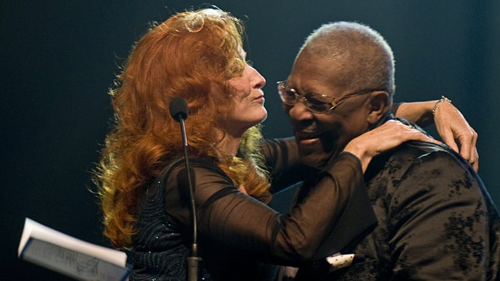 Bonnie Raitt Remembers B.B. King: 'He Was a God'