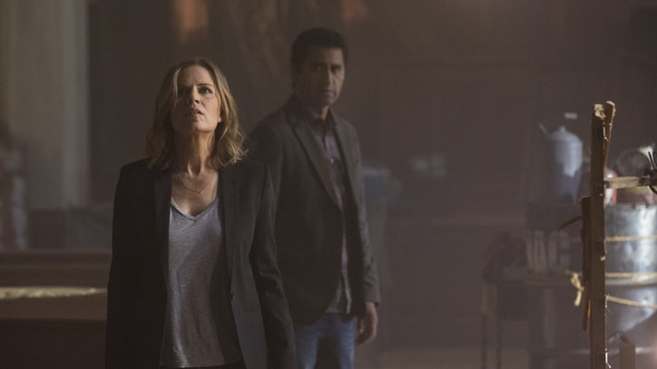 'Fear the Walking Dead' Creators Reveal Plot Details