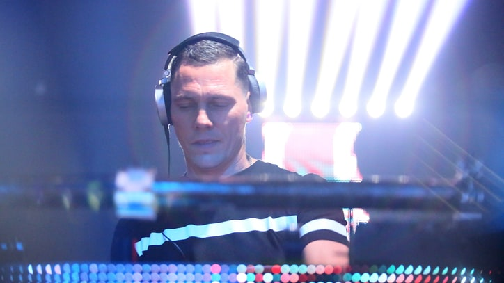 Tiesto Surprise-Releases New York-Inspired 'Clublife' Mix Album