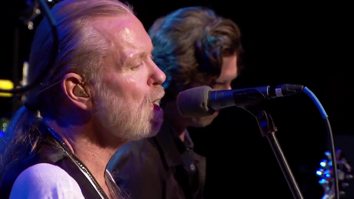 Watch Gregg Allman Lead a 'Smokin'' Jam on 'One Way Out'