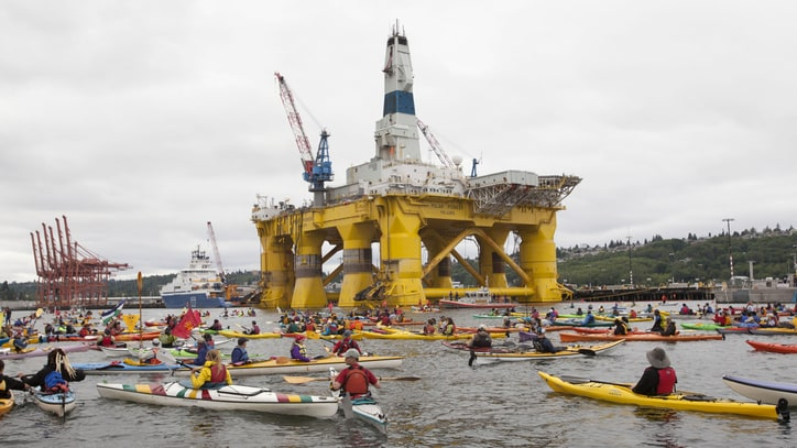 Meet the Rappers and 'Kayaktivists' Out to Stop Shell's Giant Oil Rig