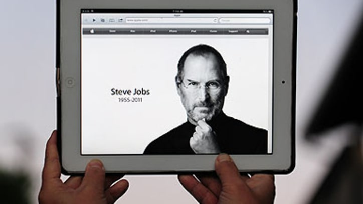 Tributes Pour In for Steve Jobs
