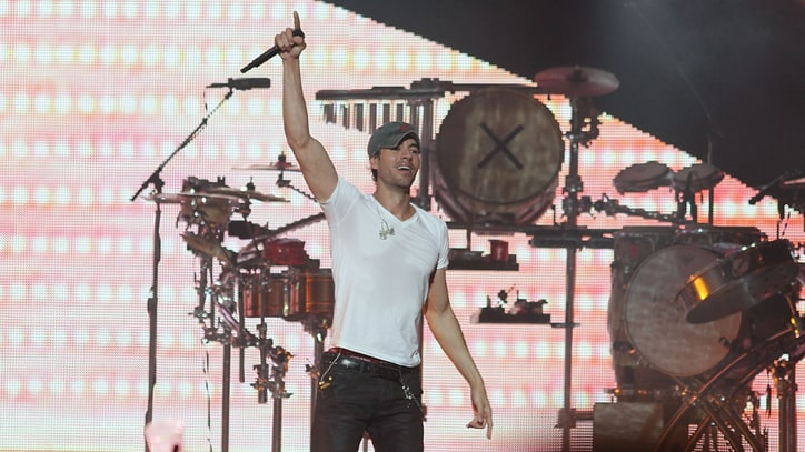 Enrique Iglesias Injures Hand Grabbing Drone During Concert