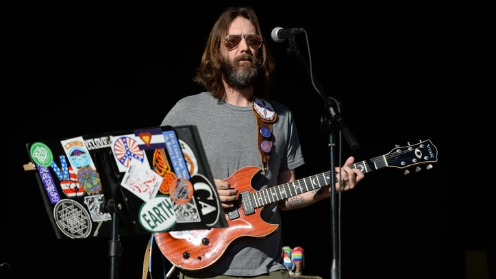 Hear Chris Robinson Cover Grateful Dead's 'They Love Each Other'