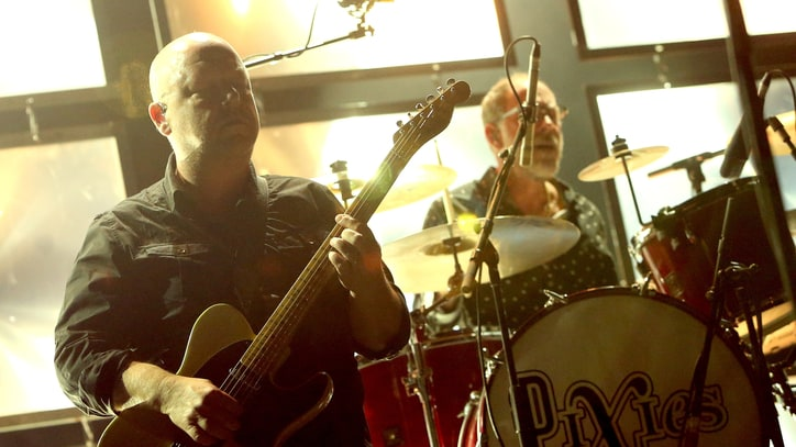 See Pixies Play 'Planet of Sound,' New Song 'Um Chagga Lagga'