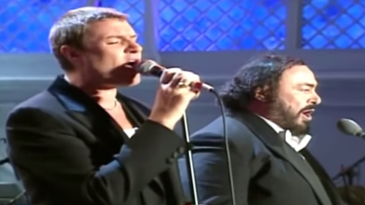 Flashback: Simon Le Bon Sings 'Ordinary World' With Pavarotti