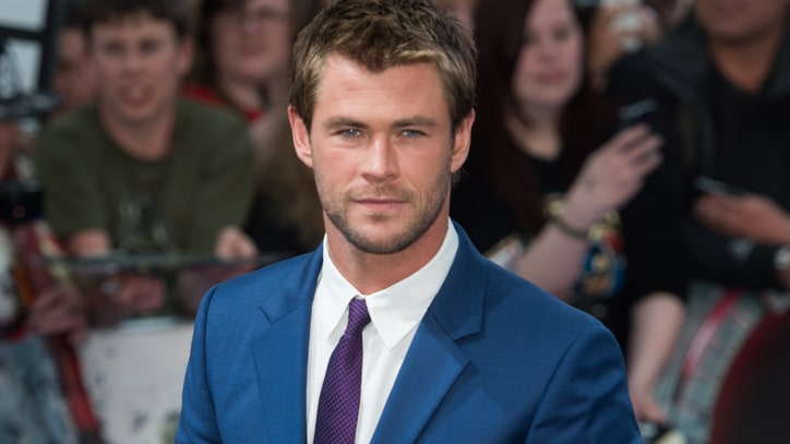 Chris Hemsworth Joins 'Ghostbusters' Reboot as Receptionist