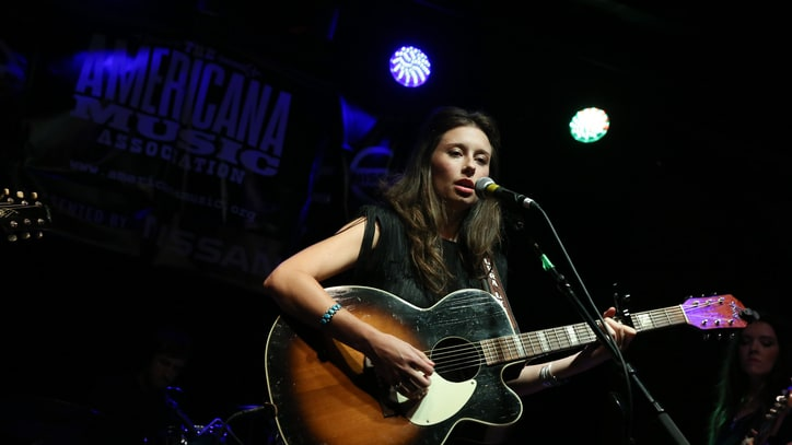 Listen to Lera Lynn's Sparse, Spooky Song for 'True Detective'