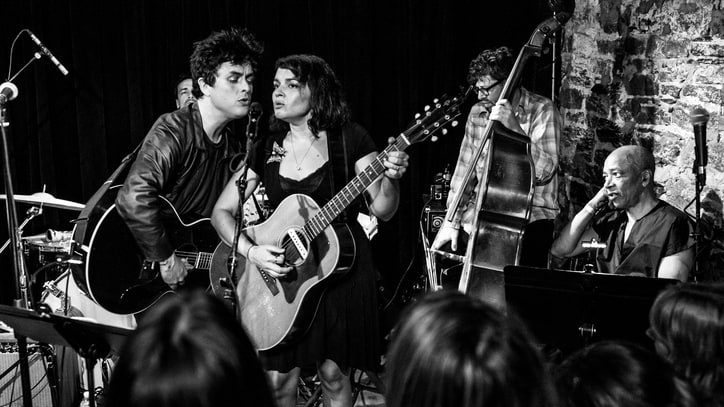 Billie Joe Armstrong, Norah Jones Stage Surprise 'Foreverly' Concert