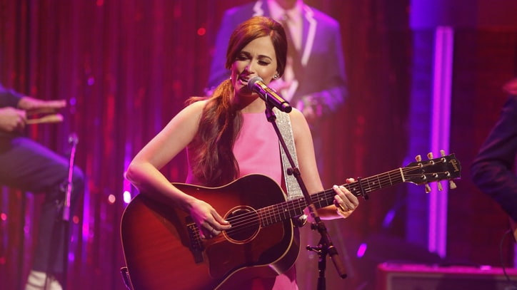 Watch Kacey Musgraves Flaunt Her 'Pageant Material' on 'The View'